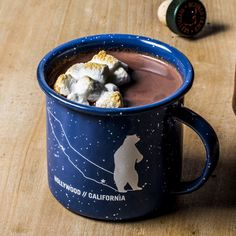 Spiked Hot Chocolate Any dark caramel-flavored liquor will work with this; it's particularly good with rye whiskey or rum. Best Hot Chocolate Recipes, Spiked Hot Chocolate, Chocolate Bourbon, Chocolate Chocolate, Recipes With Marshmallows, Chocolate Marshmallows, Marshmallow Recipes, Hot Cocoa Mixes, Hot Toddy