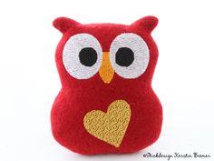 Eule mit Herz ITH Stickdatei von KerstinBremer.de. Heart owl ith machine embroidery design ♥ Valentine owl ♥