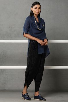 Capes For Women, Clothes For Women, Family Events, Kaftans, Sustainable Fashion, Fabrics, Normcore, Tours, Indian
