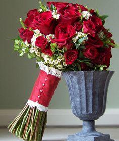 BOUQUET WRAP: peak-a-boo-lace #lace_bouquet_wrap