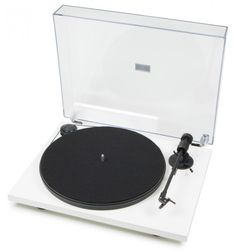 """The Project Primary USB is a complete """"Plug and Play"""" turntable and takes inspiration from the award winning Essential II, and features a built-in phono stage and USB output."""