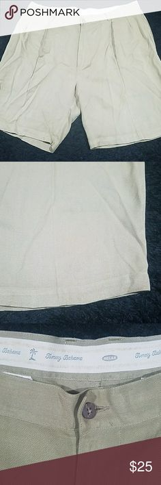 Men's tommy bahama 100% silk shorts 38 relax fit Mens tommy bahama relax fit 100% silk shorts great condition no holes rips tears or stains nens waist size 38 Tommy Bahama Shorts