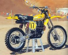 Yamaha TT 600 PRO - TEC 1982 Enduro Vintage, Vintage Motocross, Vintage Bikes, Vintage Motorcycles, Motorcycle Dirt Bike, Motorcycle Racers, Motocross Bikes, Dirt Biking, Bobber