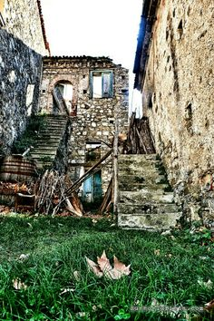 Рошиньо - город-призрак. Италия, провинция Салерно. #италия #салерно #рошиньо #экскурсиисалерно #экскурсии