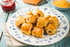 So delicious! Sausage Rolls, Rolls Recipe, Meal Planner, Tray Bakes, Cheddar Cheese, No Bake Cake, Main Dishes, Cooking Recipes, Stuffed Peppers