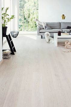 This amazing photo is certainly an amazing style principle. Home Room Design, Living Room Designs, House Design, Home Living Room, Living Room Decor, Grey Wooden Floor, Engineered Hardwood, Wooden Flooring, My New Room