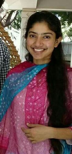 Beautiful Bollywood Actress, Beautiful Indian Actress, Beautiful Actresses, Katrina Kaif Bikini Photo, Sai Pallavi Hd Images, Beautiful Heroine, Photography Studio Background, Cute Celebrities, South Indian Actress