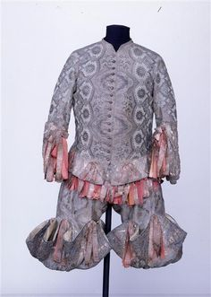 Rheingraf dress of Augustus the Strong, consisting of jacket, vest, pants and pair of gloves.  Dresden. 1718-1719