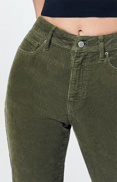 The Olive Corduroy Mom Jeans from PacSun fulfill all your retro-inspired looks. Constructed from a corduroy fabric, these trendy mom jeans are complete with a body and a relaxed fit. Green Shorts Outfit, Pants Outfit, Denim Trends, Pants For Women, Clothes For Women, Lifestyle Clothing, Corduroy Pants, High Jeans, Fall Outfits