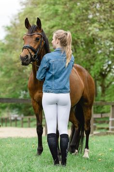 Oh So Equestrian Attire Equestrian Chic, Equestrian Girls, Equestrian Outfits, Equestrian Fashion, Sexy Leggings Outfit, Mädchen In Leggings, Horse Girl Photography, Clothing Photography, Photography Outfits