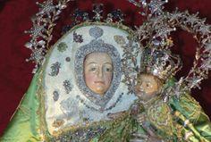 Virgen del Pino    Nuestra Señora del Pino es una de las advocaciones marianas que representan a la Virgen María. Está situada en el camarín de la Basílica de Nuestra Señora del Pino en el municipio de Teror, en la isla de Gran Canaria,