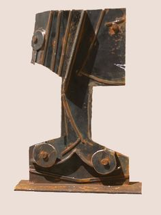 Uruguayan Constructivism  Alceu Ribeiro transmits through his work a message of naturalism where the subject is unstated.