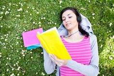 Summer Reading, Here I Come. List of summer favorites by hellogiggles
