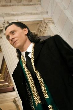 Loki's suit I love this look!!!!!