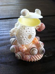 DIY seashell creatures, from frogs and turtles to angels and bunnies, cats and mice.