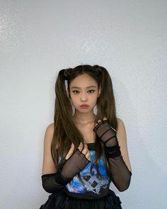 Blackpink Jennie, South Korean Girls, Korean Girl Groups, Rapper, Blackpink Members, Black Pink, Blackpink Photos, Pictures, Blackpink Fashion