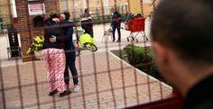 """Marca España """"se desahucian familias y se salvan bancos""""  http://ladyblues.over-blog.es/2016/12/desahuciada-una-familia-con-dos-hijos-de-10-y-3-anos-en-parla.html #españa #spain #desahucios #injusticia"""