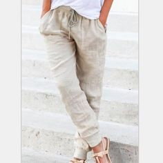 Latest fashion trends in women's Pants & Leggings. Shop online for fashionable ladies' Pants & Leggings at Floryday - your favourite high street store. Sewing Pants, Dress Sewing, Sewing Clothes, Pantalon Large, Loose Pants, Colored Pants, Simple Dresses, Easy Dress, Fashion Pants