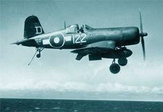 Royal Navy Corsair (FAA - Fleet Air Arm) from HMS Colossus. The vertical white line between the two is to show the pilot, when dismounting, where the foot step is - out of view from the cockpit because of the curvature of the fuselage. Aircraft Photos, Ww2 Aircraft, Military Aircraft, Fighter Pilot, Fighter Jets, Fighter Aircraft, Royal Navy Aircraft Carriers, Photo Avion, Fun Fly