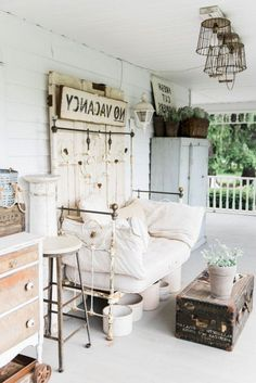 Farm House Front Porch - Front porch decorating ideas do not have to be complicated. It is very likely to really develop and design small porches over you realize using a trellis. Farmhouse porches are intended for comfort. Farmhouse Front Porches, Rustic Farmhouse, Porch Decorating, Decorating Ideas, Decor Ideas, Small Porches, Porch Makeover, Building A Porch, House With Porch