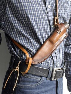 O & O sheath Clever way to carry a big knife in the woods! Very nice design.