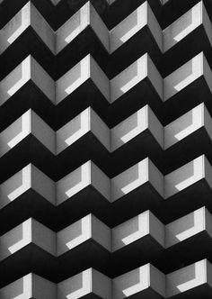La face B - inspiration - design graphique - illustration - photographie Art Noir, Architectural Pattern, Motifs Textiles, Design Graphique, Facade Architecture, Minimalist Architecture, Abstract Photography, Abstract Photos, Brutalist