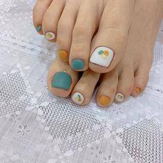ไอเดียเพ้นท์เล็บเท้าสดใส ดูเซ็กซี่ขี้เล่นแบบสาวเกาหลี IG ddowa_nail Nail Art Diy, Diy Nails, Happy Nails, Feet Nails, Classy Nails, Manicure And Pedicure, Beauty Nails, Nail Designs, Nail Polish