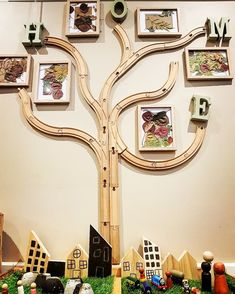 Families are like branches on a tree, we grow in different directions. Yet our roots remain as one. Families are like branches on a tree, we grow in different directions. Yet our roots remain as one. Classroom Tree, Reggio Classroom, Toddler Classroom, Classroom Design, Classroom Displays, Classroom Decor, Preschool Rooms, Nursery Activities, Preschool Classroom Layout