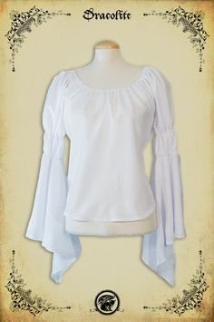 Pucelle Blouse Medieval clothing blouse - Steampunk shirt for LARP, victorian costume and cosplay Fashion For Petite Women, Older Women Fashion, Womens Fashion Stores, Office Fashion Women, Fashion Pants, Boho Fashion, Fashion Trends, Fashion Ideas, Fashion Dresses