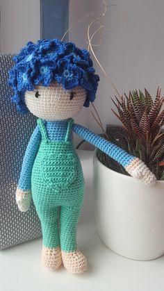Hydrangea Hank flower doll made by Jennefer R - crochet pattern by Zabbez