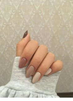 Almond Acrylic Nails, Fall Acrylic Nails, Acrylic Nail Designs, Neutral Nail Designs, Neutral Gel Nails, Classy Acrylic Nails, Shellac Nail Designs, Almond Nails Designs, Simple Nail Designs