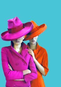 pink and orange - Freja Beha and Lily Donaldson by Emma Summerton for Vogue UK August 2008 Lily Donaldson, Look Retro, Retro Chic, Vogue Uk, Mode Editorials, Love Hat, Mode Vintage, Vintage Hats, Mode Inspiration