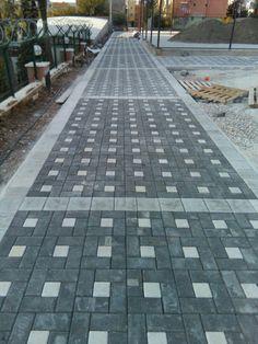 29 Backyard Patio Builders paving patterns and designs Orice Backyard Walkway, Backyard Landscaping, Patio Builders, Pavement Design, Paver Designs, Paving Design, Driveway Design, Outdoor Stone, Patio Flooring