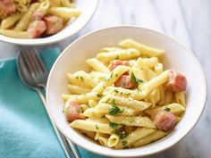 Penne a la Carbonara. I love the tagiattelle pasta instead of the penne. Also, let your pan cool down a little before you dump your pasta and stuff in again to mix. Giada De Laurentiis, Pasta Recipes, Dinner Recipes, Cooking Recipes, Giada Recipes, Recipe Pasta, Rice Recipes, Casserole Recipes, Yummy Recipes
