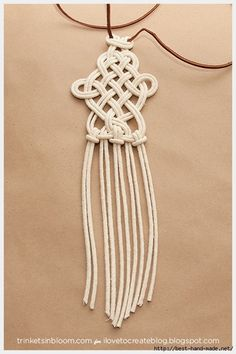 Get knotty and create one of the hottest accessory trends for summer a DIY Dip Dyed Macramé Necklace. Fashion always gets a little mo.Discover recipes, home ideas, style inspiration and other ideas to try. Macrame Colar, Macrame Necklace, Macrame Knots, Micro Macrame, Macrame Jewelry, Macrame Bracelets, Diy Necklace, Necklaces, Necklace Ideas