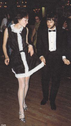 Ringo vs black feather dress