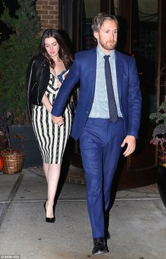 Anne Hathaway hits the town with hubby Adam Shulman | Daily Mail Online
