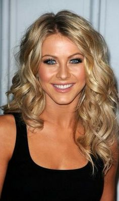Medium Length Curly Hairstyles for Blonde Hair