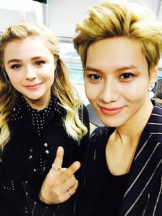 It looks like SHINee's Taemin may be closer to his wish to grab a meal with Chloe Moretz!The Holly…