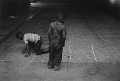 Roy DeCarava  Harlem14