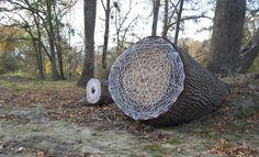 STRING PATCHES FOR GREENVILLE TREES 100% COTTON STRING, NAILS, SPRAY PAINT - LARITZA GARCIA VIA MAR DE COLOR ROSA