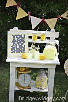 Baby shower or child's birthday party idea.  Bridgey Widgey: Lemonade Stand