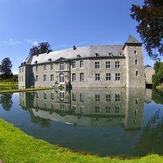 Annevoie es el único jardín de agua de Bélgica y el más imponente de Europa. En Annevoie-Rouillon, cerca de Dinant