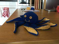 Octopus I made with this pattern / Ośmiornica na podstawie niniejszego wzoru: http://www.thefriendlyredfox.com/2016/02/amigurumi-octopus-baby-toy-free-pattern.html