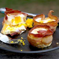 Toast, Cheddar, Bacon & Egg Basket full recipe at http://recipehub.net/toast-cheddar-bacon-egg-basket/