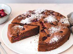 Philadelphia Torte, Chocolate Cherry Cake, Food And Drink, Favorite Recipes, Baking, Sweet, Desserts, Birthday Cakes, Education