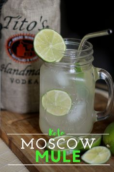 Keto Moscow Mule: Sugar Free Keto Alcoholic Drinks Zero Carb Keto Summer Drink will make your summer memorable! I love this zero Carb Moscow Mule because it has so much flavor and it is low carb. Keep your Keto diet and drink alcohol this summer. Keto Diet Drinks, Keto Cocktails, Low Carb Drinks, Keto Drink, Diet Snacks, Healthy Drinks, Healthy Food, Alcoholic Drinks No Sugar, Alcoholic Cocktails