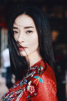 Top 10 Hottest Girls of Vietnam Beautiful Vietnamese Women, Light Girls, Ao Dai, Hottest Models, Queen, Celebrity Crush, Pretty People, Asian Beauty, Doctor Strange