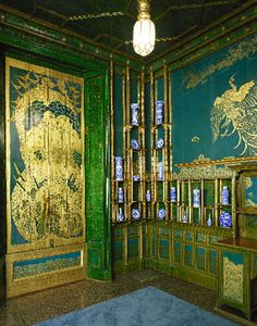 Corner of Peacock Room, Kangxi Porcelain and gilt decorated leather walls, by Whistler. (Click photo to read article.)
