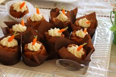 carrot cakes © Lucy Munoz Photography